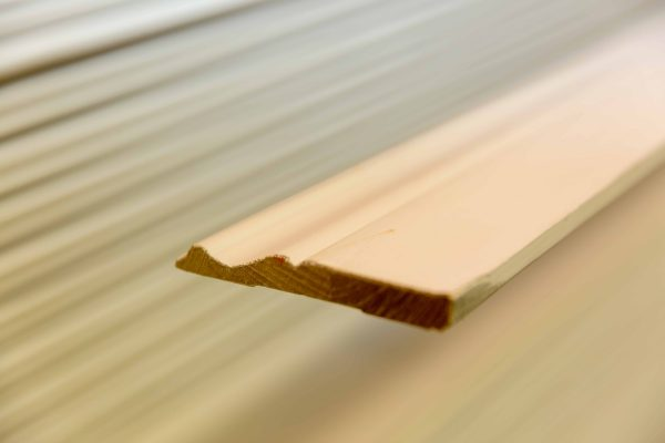 """COLONIAL BASEBOARD 1/2"""" X 5"""" X 8 FT-0"""